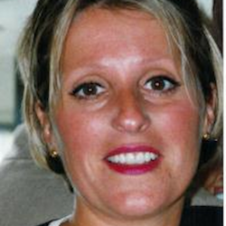 Carole MESNIERES